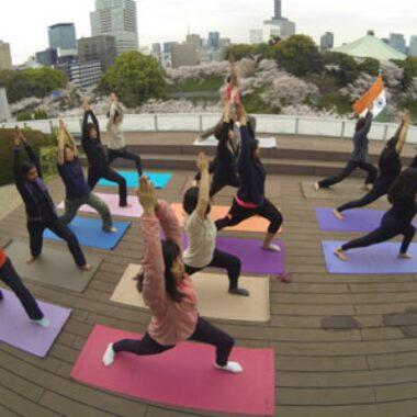 cours de yoga à l'ambassade de l'inde à tokyo ©Indian Embassy Tokyo