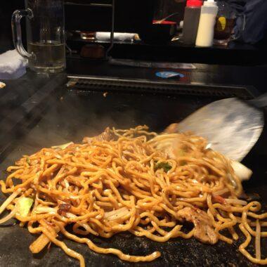yakisoba recette japonaise à tokyo copyright Hélène Marbach