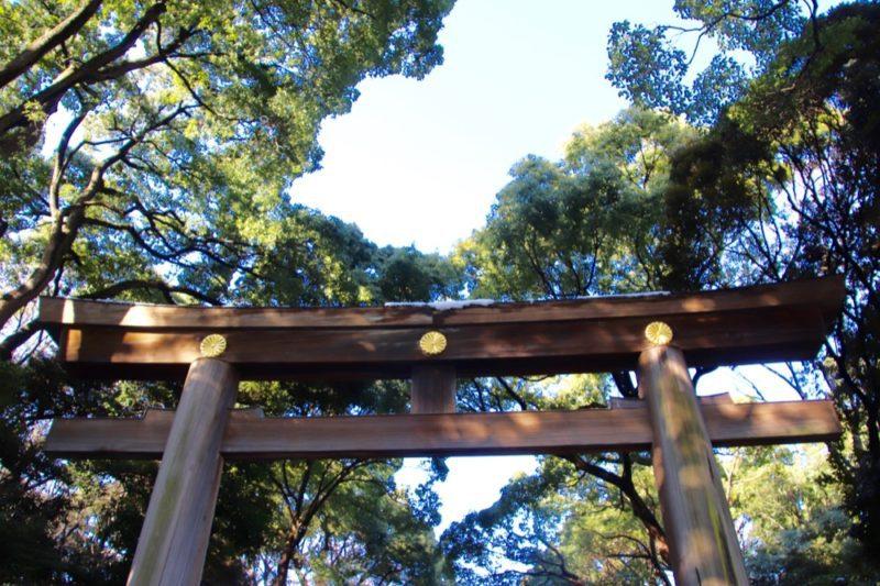 A l'entrée du Meiji Jingu, été à Tokyo, visiter Tokyo et le Japon, vivre a tokyo