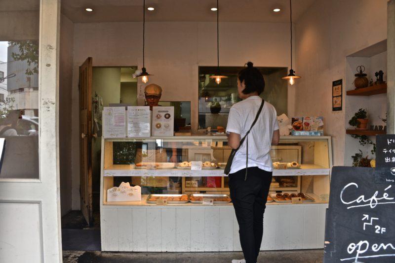 Faites une pause chez Hara donuts café, Meguro Dori Tokyo © Vivre à Tokyo