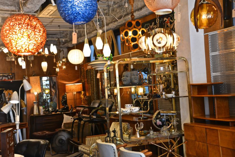 Moody's meguro meubles tokyo furniture tokyo copyright vivre a tokyo