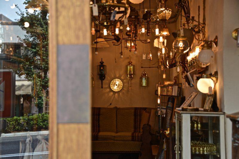 Point N°38, meuble tokyo luminaire rétro design, Meguro Tokyo © Vivre à TokyoPoint N°38, luminaire rétro design, Meguro Tokyo © Vivre à Tokyo