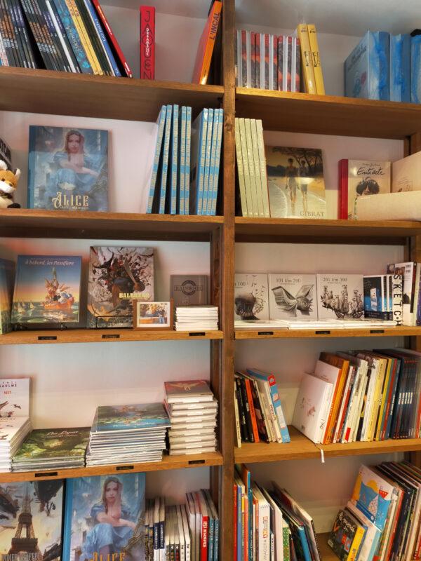 intérieur de la librairie Maison Petit Renard d'Itabashi