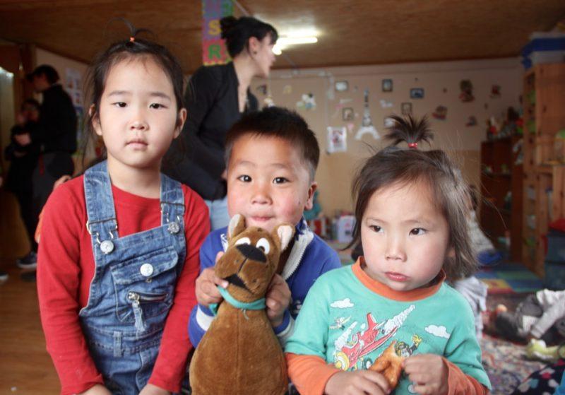 Tsolmon Ireedui Fondation a construit un centre d'accueil pour les jeunes enfants, s'échapper de Tokyo