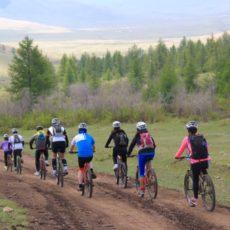 S'échapper de Tokyo, Mongolia Bike Ride