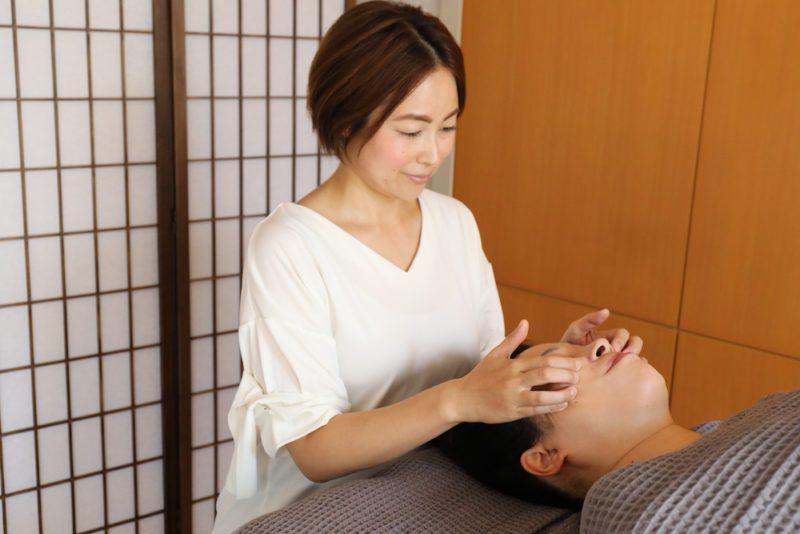 Un soin par Noriko, esthéticienne francophone , vivre à tokyo, expatriation à tokyo