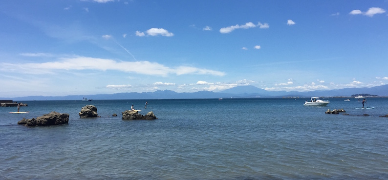 Vue depuis la plage d'Isshiki, Hayama, vivre à tokyo, expatriation à tokyo, excursion