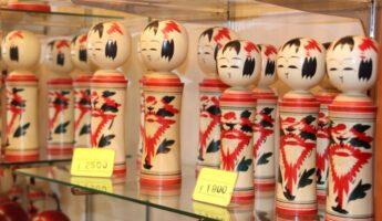 Les Kokeshi au Japon, vivre à tokyo, expatriation à tokyo