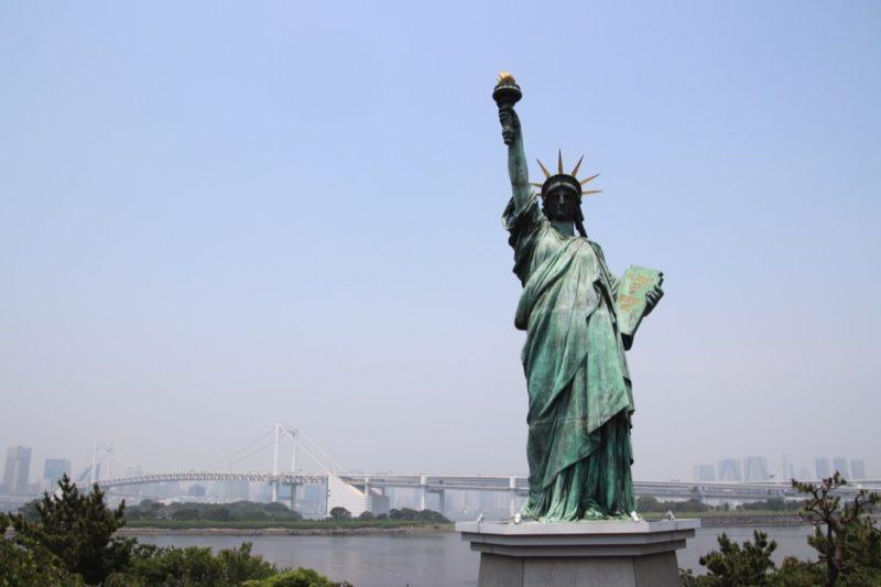 La statue de la Liberté à Odaiba, vivre à tokyo, expatriation à tokyo, visiter tokyo et le japon