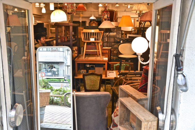 se meubler a tokyo, mobilier tokyo, furniture tokyo, acheter des meubles tokyo, meguro dori, brocante tokyo, vivre a tokyo, français a tokyo, expatriation tokyo