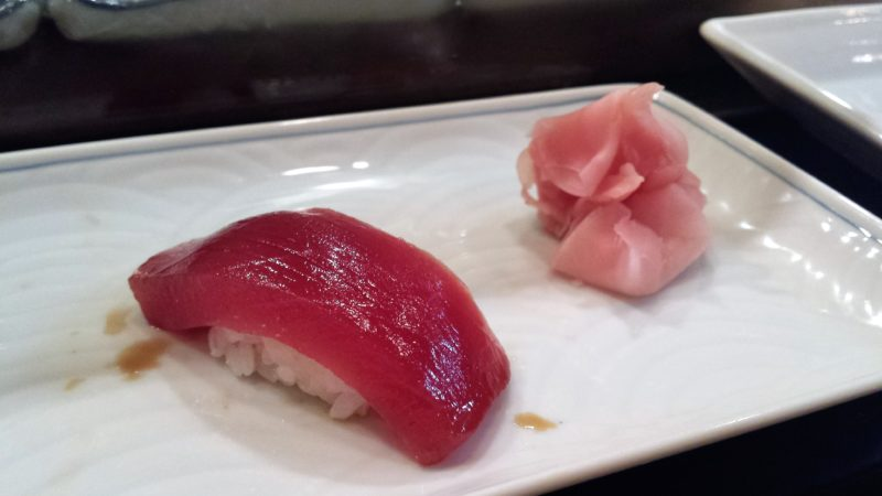 sushi à tokyo, manger des sushi a tokyo, sushi japon, sushi, maki, restaurant de sushi tokyo, vivre a tokyo, français a tokyo