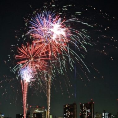 feu d'artifice, visiter tokyo l'été, vivre a tokyo, voyager a tokyo