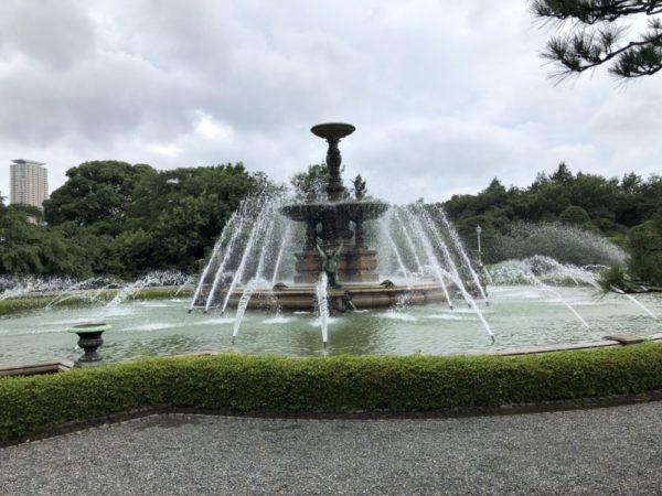 tokyo-fontaine-palais-akasaka