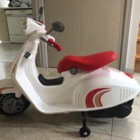 Scooter Vespa électrique pour enfants